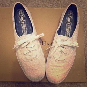 White keds